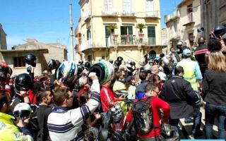 motoexplora-viaggi-in-moto-novara-di-sicilia-marzo-2008-12
