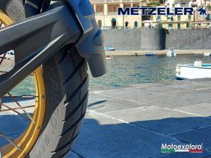 Read more about the article Prova su strada delle Karoo Street Metzeler